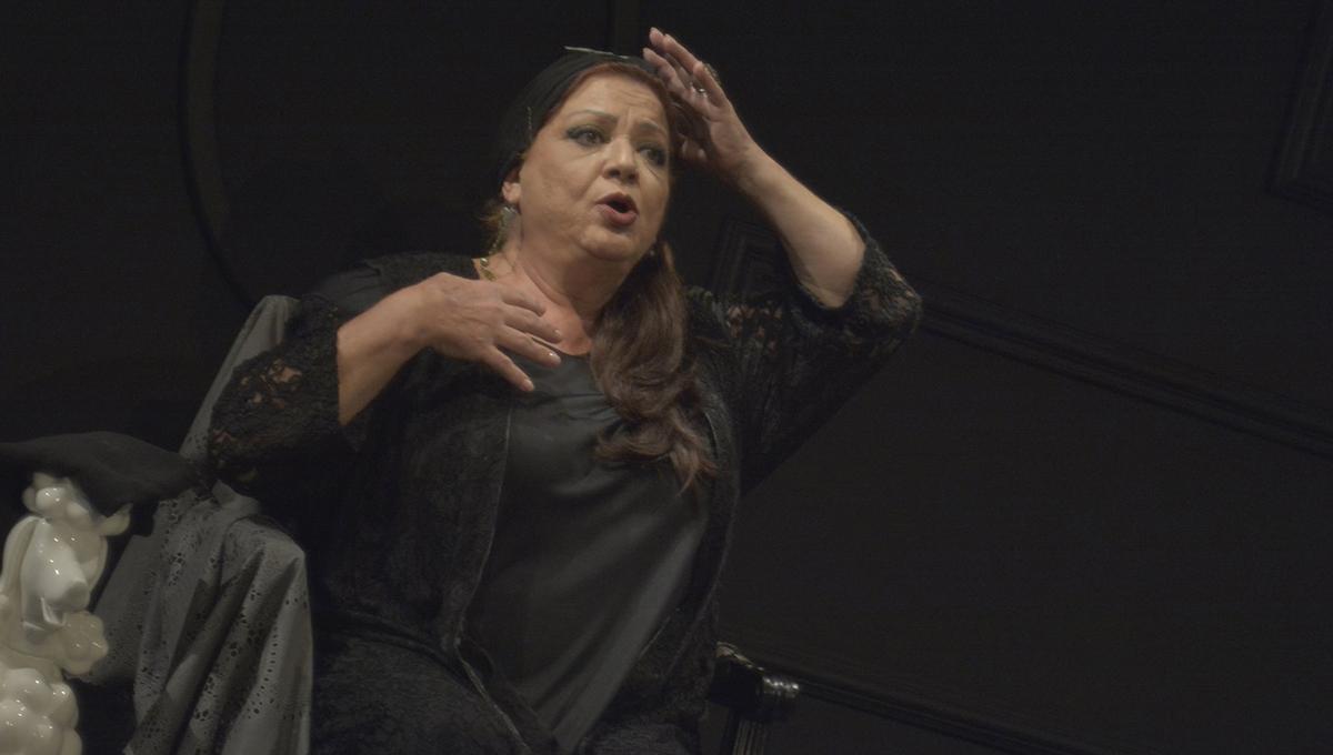 54917448ef7c www.thetimes.gr - Ελληνίδα παρουσιάστρια με λεοπάρ κολάν και ...