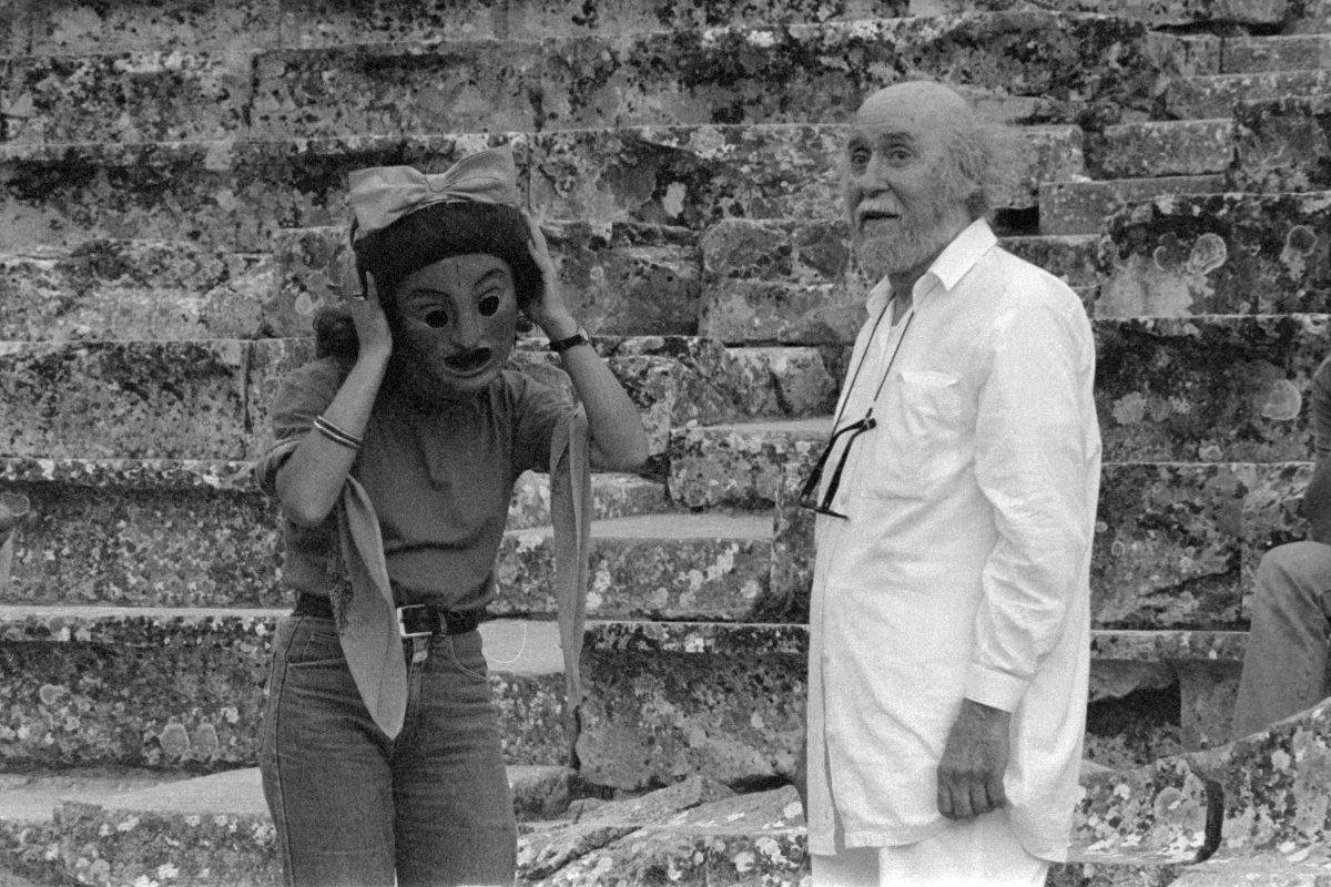 Αποτέλεσμα εικόνας για «Θέατρο Τέχνης Καρόλου Κουν, Επίδαυρος 1985-1998»: Η πρώτη παρουσίαση του λευκώματος στο 48ο Φεστιβάλ Βιβλίου