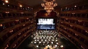 Η νύχτα με τα αστέρια, από τη Σκάλα του Μιλάνου στο Christmas Theater Online!
