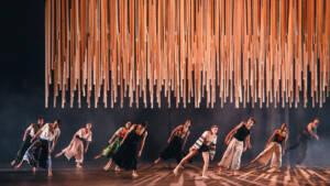Δέσπω, του Παύλου Καρρέρ και Ελληνικοί χοροί, του Νίκου Σκαλκώτα στην ΕΛΣ