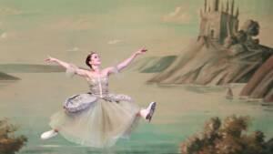 Τα Μπαλέτα στον Πάγο της Αγίας Πετρούπολης φέρνουν τη «Λίμνη των Κύκνων» στο Christmas Theater